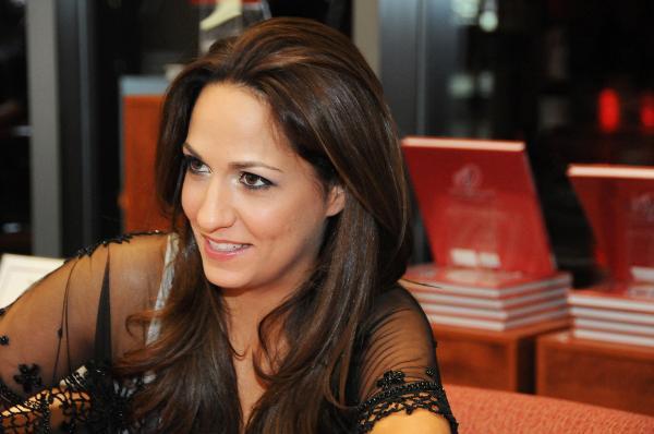 Mclennan Natalia Biography